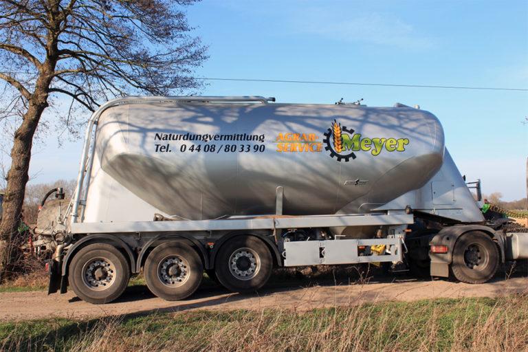 Naturdung Transport von Agrarservice Meyer