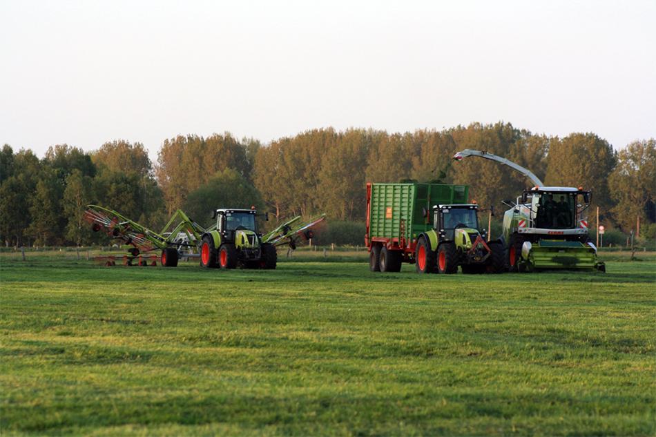 Grasbearbeitung von Agrarservice Meyer